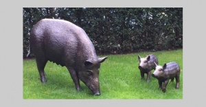 B39 - life size wild boar and piglets