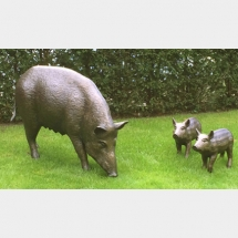 wildboar with piglets life size